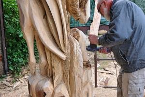 Rzeźba na licytację dla Sursum Corda 6