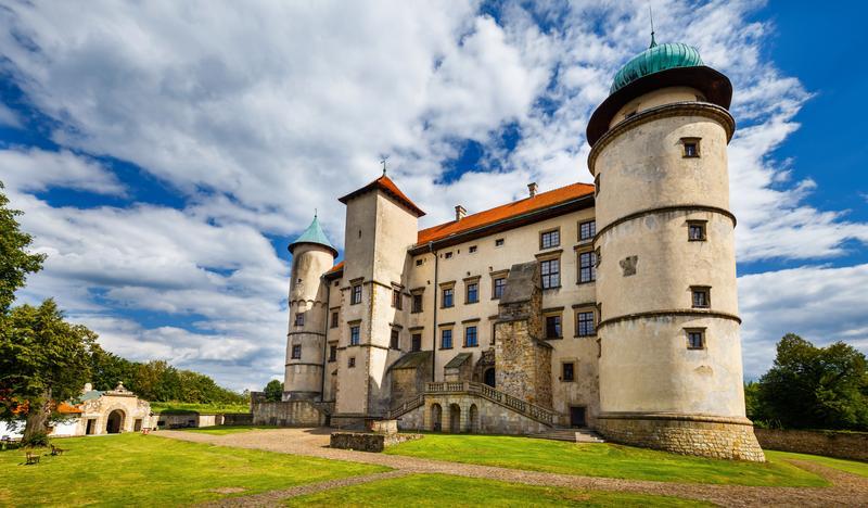 zamek-magnacki-nowy-wisnicz-01